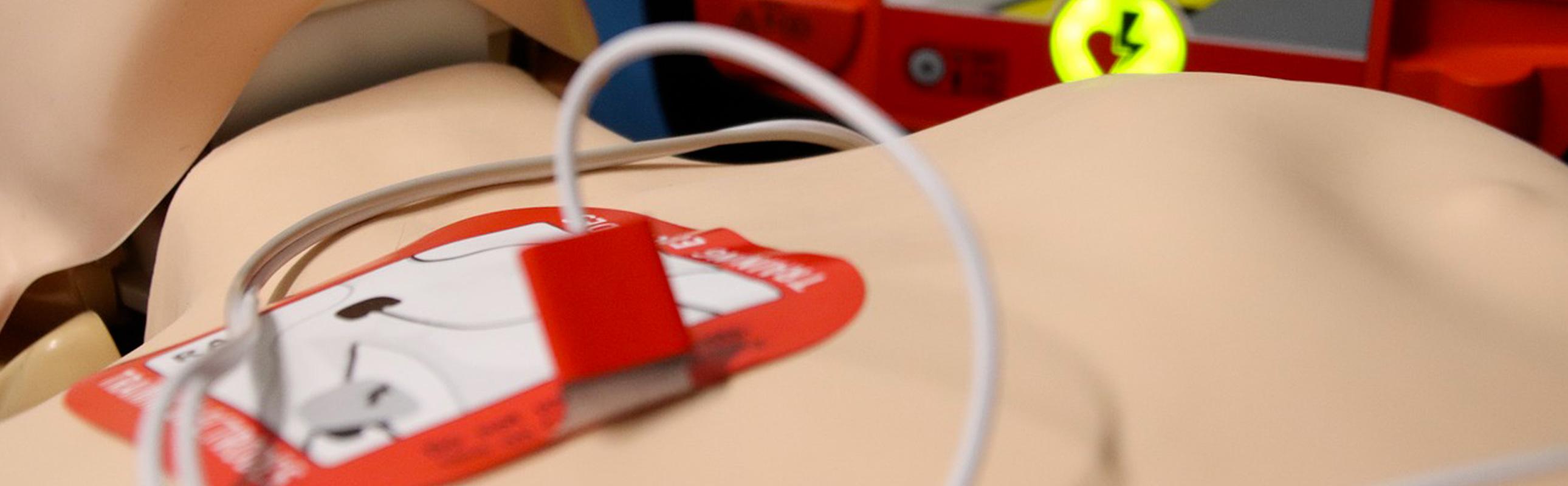 Le défibrillateur, un atout de choc en cas d'arrêt cardiaque